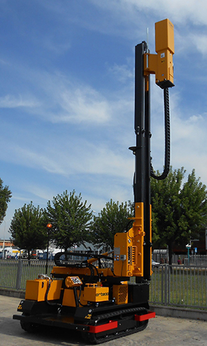 HD 1000 5M crawler mounted Pile driver