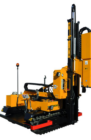 HD 800 crawler mounted Pile driver